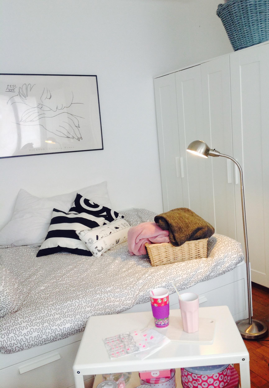 noir et blanc ma licorne fait des bulles. Black Bedroom Furniture Sets. Home Design Ideas