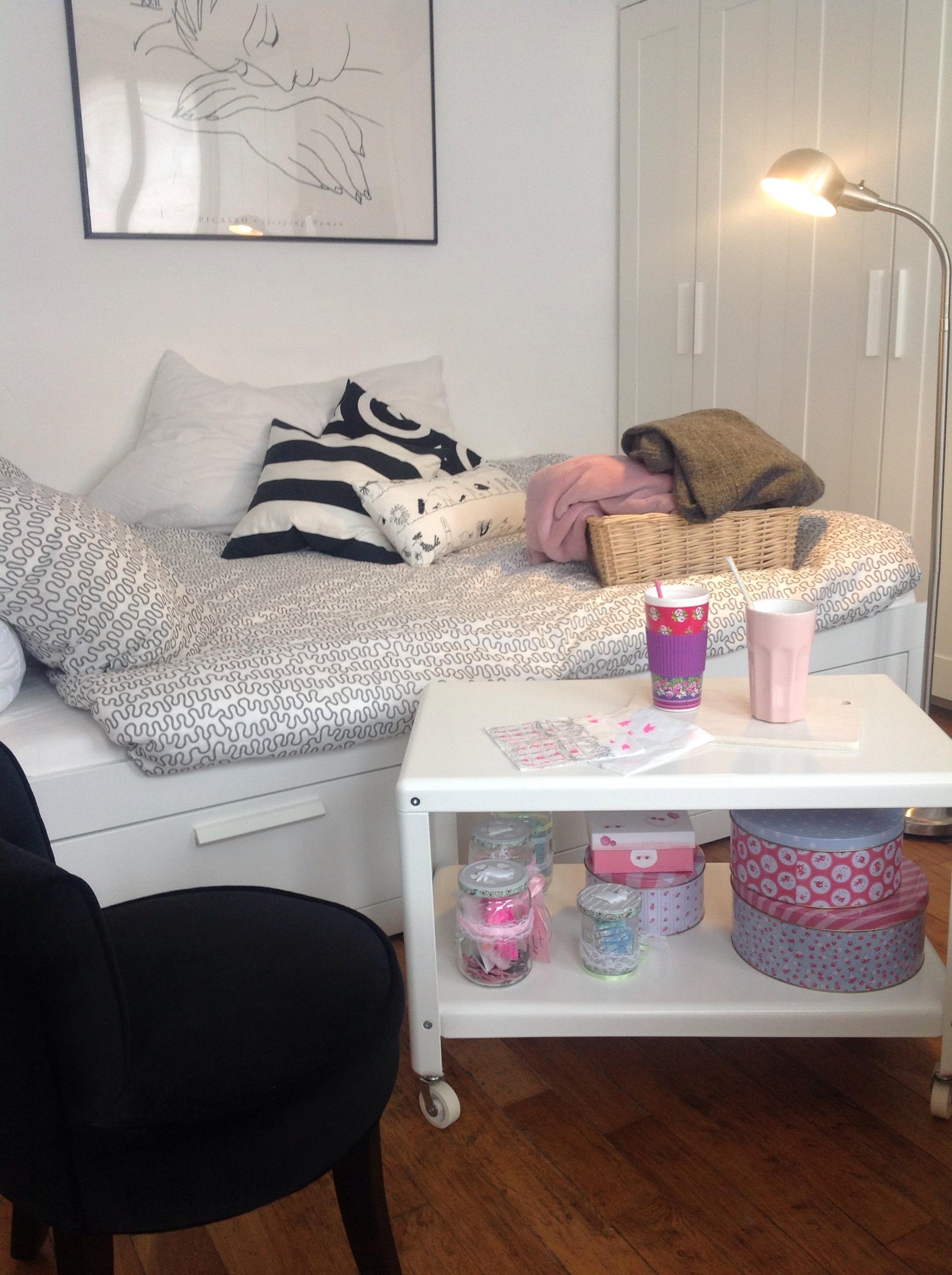 am nager un coin nuit dans son salon ma licorne fait des bulles. Black Bedroom Furniture Sets. Home Design Ideas